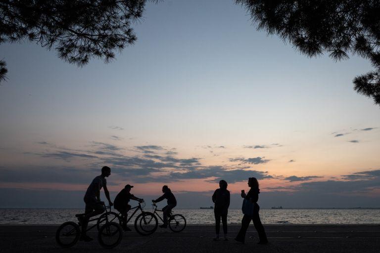 Κοροναϊός : Δείτε ολόκληρο το σχέδιο της κυβέρνησης για την άρση των μέτρων – Τι αλλάζει σε εκπαίδευση, μετακινήσεις, αναψυχή | tanea.gr