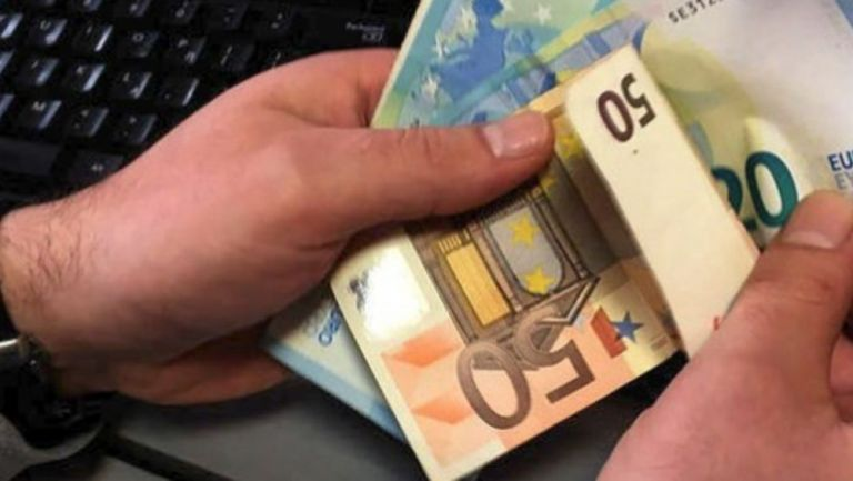 Επίδομα: Από την άλλη εβδομάδα τα 800 ευρώ στους λογαριασμούς | tanea.gr