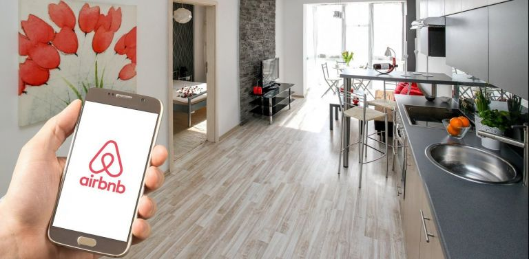 Airbnb : Αναστατωμένοι οι ιδιοκτήτες από την απώλεια εσόδων | tanea.gr
