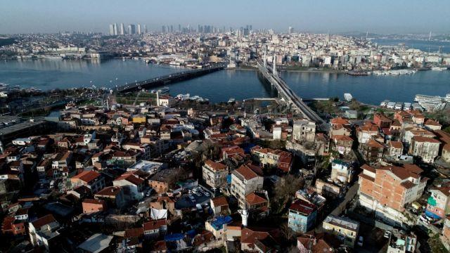 Θερίζει ο ιός την Τουρκία με 79 νεκρούς αλλά ο Ερντογάν δεν πτοείται   tanea.gr