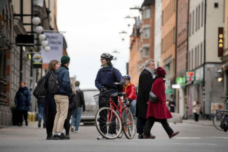 Σουηδία: Εφθασαν τους 591 οι νεκροί - 487 νέα κρούσματα   tanea.gr