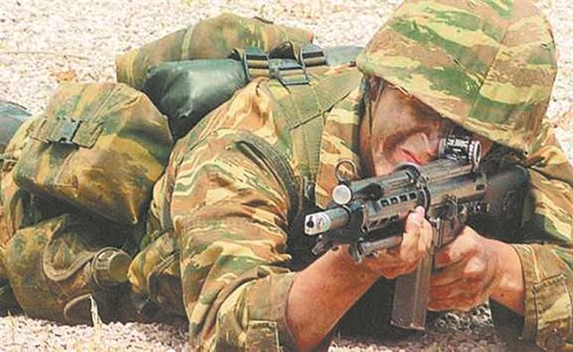 Νέο εθνικό όπλο και νέο εθνικό όχημα | tanea.gr