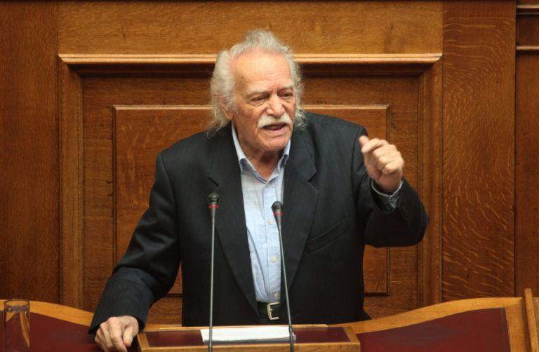 Η γνωριμία μου με τον Μανώλη Γλέζο   tanea.gr