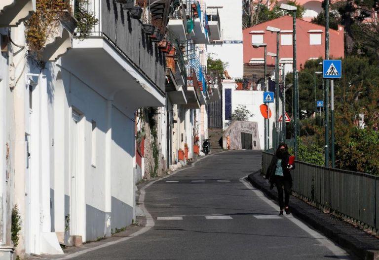 Κοροναϊός: Πώς βγαίνει από την καραντίνα η Ευρώπη | tanea.gr