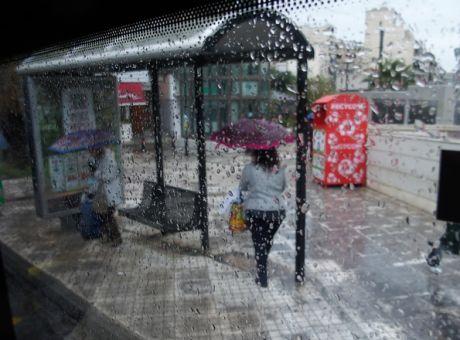 Καιρός: Παραμένει βροχερός την Τετάρτη - Σε ποιες περιοχές θα σημειωθούν καταιγίδες | tanea.gr