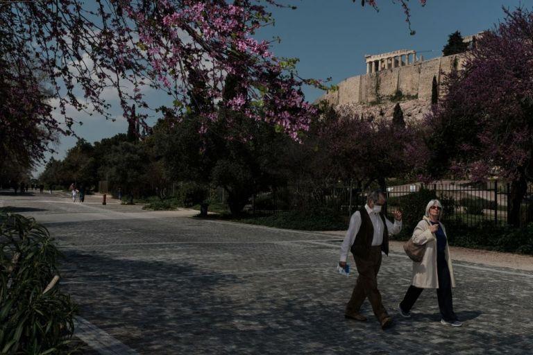 Αισιόδοξα τα νέα από τις Εντατικές παρά τους 73 νεκρούς από κοροναϊό | tanea.gr
