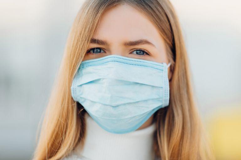 Κοροναϊός : Πότε και πώς πρέπει να φοράμε την προστατευτική μάσκα | tanea.gr