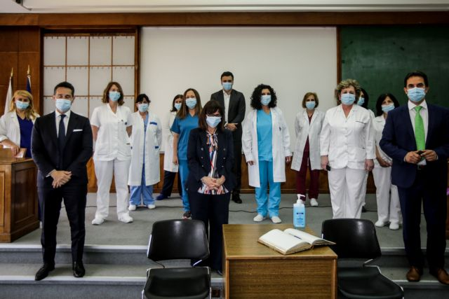 Παγκόσμια Ημέρα Νοσηλευτών: Τον Ευαγγελισμό επισκέφτηκε η Κ. Σακελλαροπούλου | tanea.gr