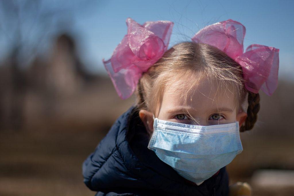 Επικίνδυνη η μάσκα για παιδιά κάτω των 2 ετών, προειδοποιεί η Ιαπωνική Παιδιατρική Ένωση - ΤΑ ΝΕΑ