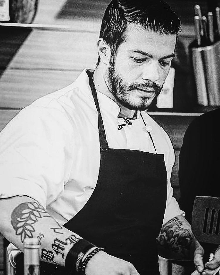 Ο Ελληνας σεφ που μαγείρεψε στο Λευκό Οίκο σε μια συγκλονιστική εξομολόγηση   tanea.gr