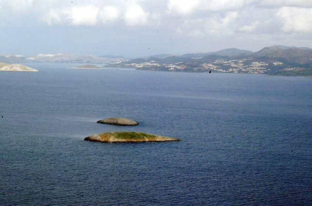 Νέα πρόκληση Cumhuriyet: «18 νησιά και δύο βραχονησίδες στο Αιγαίο ανήκουν στην Τουρκία»   tanea.gr