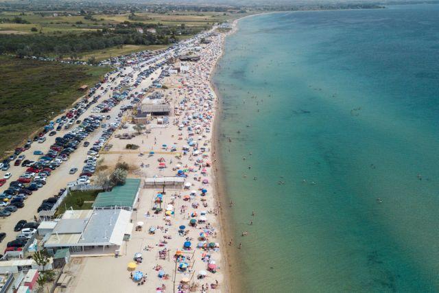 Προβληματισμός για τον συνωστισμό στις παραλίες – Φόβοι για δεύτερο κύμα πανδημίας   tanea.gr