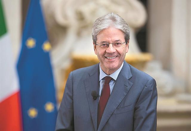 Τζεντιλόνι στα «ΝΕΑ»: Η Ελλάδα δεν κινδυνεύει από ένα νέο Μνημόνιο | tanea.gr