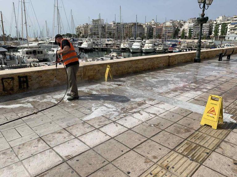 Δήμος Πειραιά : Επιχείρηση καθαρισμού στο παραλιακό μέτωπο της Ζέας   tanea.gr