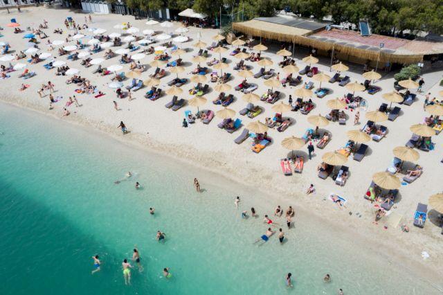 Πρώτο crash test των Αθηναίων στις οργανωμένες πλαζ - Διαχωριστικά, αντισηπτικά και κλειστά beach bar | tanea.gr