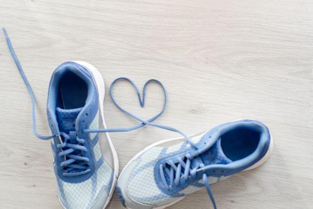 Κοροναϊός : Πώς πρέπει να απολυμαίνουμε τα παπούτσια μας   tanea.gr