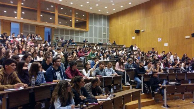 Εκπαιδευτικό νομοσχέδιο : Τι αλλάζει στις μετεγγραφές φοιτητών - Επανέρχεται η τράπεζα θεμάτων στο λύκειο | tanea.gr