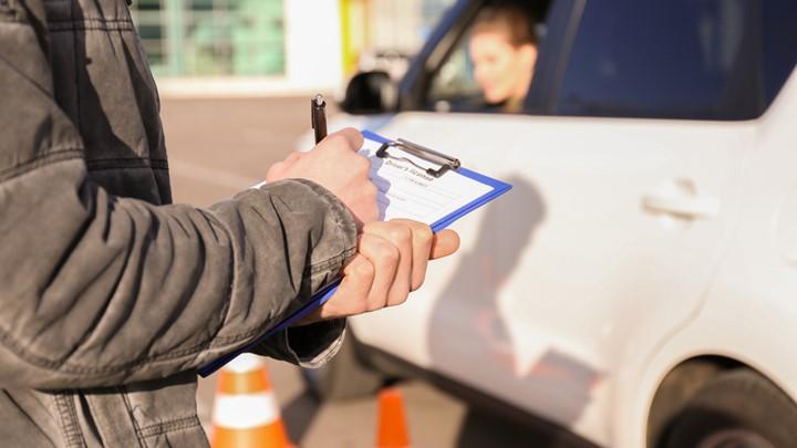 Άδειες οδήγησης : Τι θα γίνει με τις θεωρητικές εξετάσεις των υποψηφίων οδηγών | tanea.gr