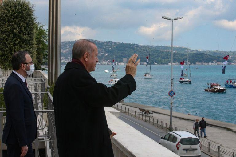 Σόου από τον Ερντογάν για την επέτειο της Άλωσης της Κωνσταντινούπολης | tanea.gr