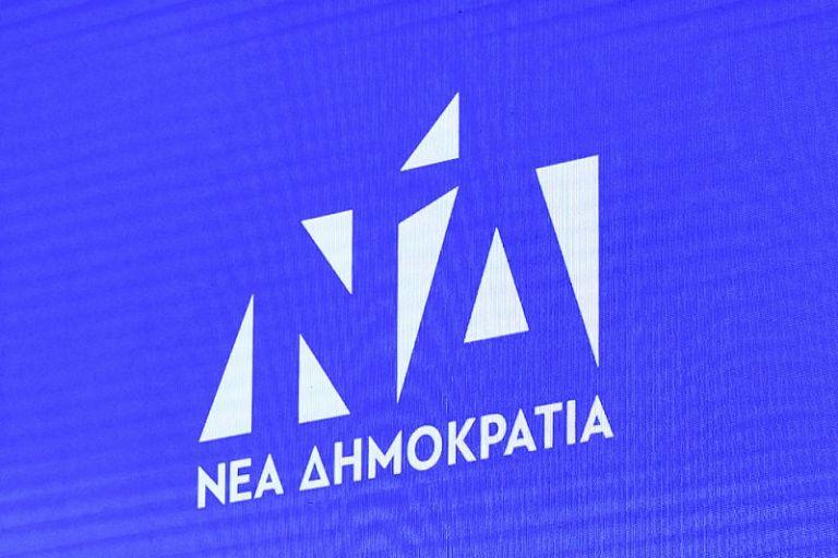 ΝΔ : Απαντά στο άρθρο Τσίπρα με φωτογραφία του Πολάκη να καπνίζει... στο υπ. Υγείας | tanea.gr