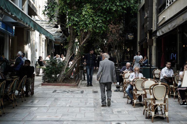 Η εστίαση στον καιρό πανδημίας –  Πώς κύλησε η πρώτη μέρα | tanea.gr