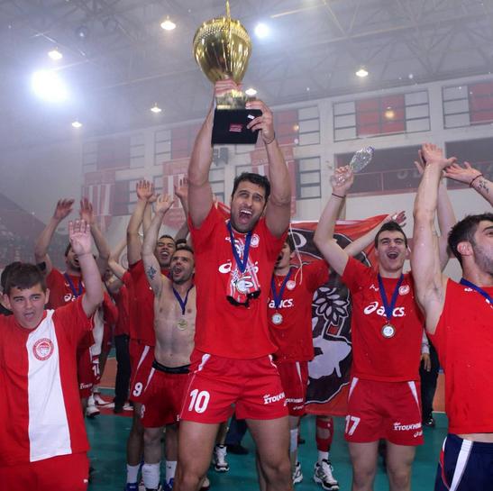Σαν σήμερα ο Ολυμπιακός κατέκτησε το 25ο πρωτάθλημα της ιστορίας του | tanea.gr