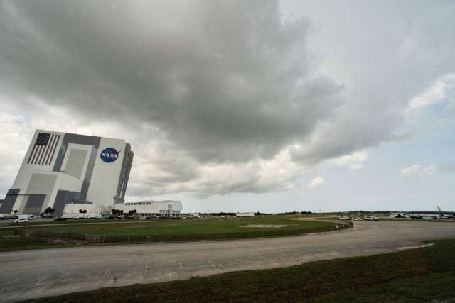 Live: Έτοιμη για την ιστορική επανδρωμένη αποστολή στο Διάστημα η SpaceX | tanea.gr