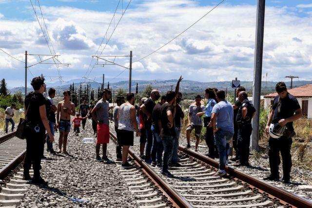 Νεαρός Ρομά παρασύρθηκε από τρένο έξω από το Κιάτο | tanea.gr