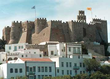 Πάτμος: Το «νησί της Αποκάλυψης» προσελκύει χιλιάδες τουρίστες από όλο τον κόσμο   tanea.gr