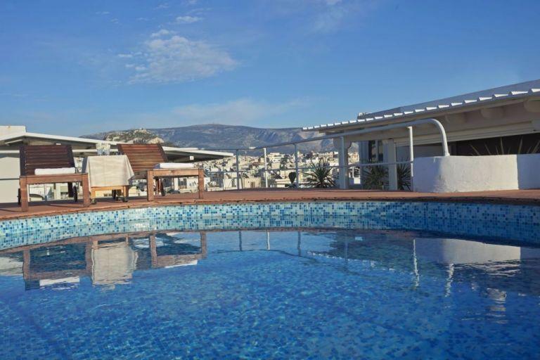Κλειστά παρέμειναν 8 στα 10 ξενοδοχεία | tanea.gr