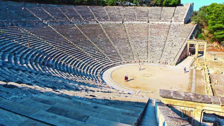 Το MEGA στο αρχαίο θέατρο της Επιδαύρου λίγο πριν ανοίξει τις πύλες του | tanea.gr