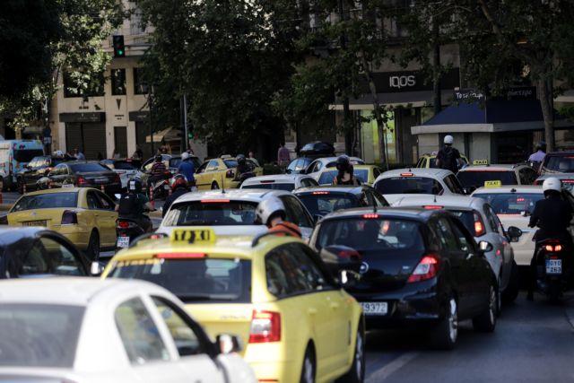 Κυκλοφοριακό κομφούζιο στον Κηφισό – Ουρά χιλιομέτρων | tanea.gr