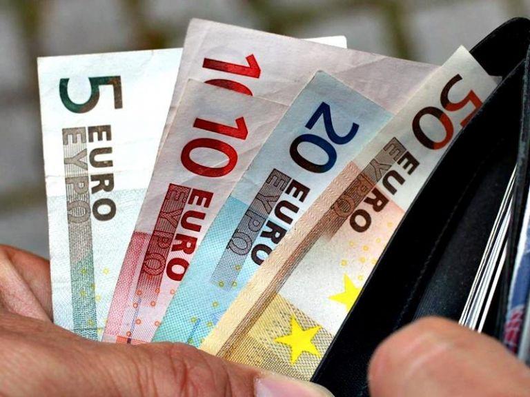 Σήμερα η καταβολή του επιδόματος των 534 ευρώ – Τα ποσά και οι δικαιούχοι | tanea.gr
