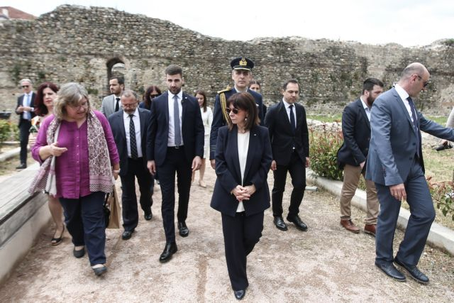Συγκινητική ανάρτηση της Σακελλαροπούλου για τις γυναίκες της Θράκης   tanea.gr