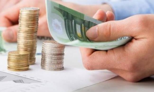 Γενναία μείωση της προκαταβολής φόρου, λιγότερες ασφαλιστικές εισφορές | tanea.gr