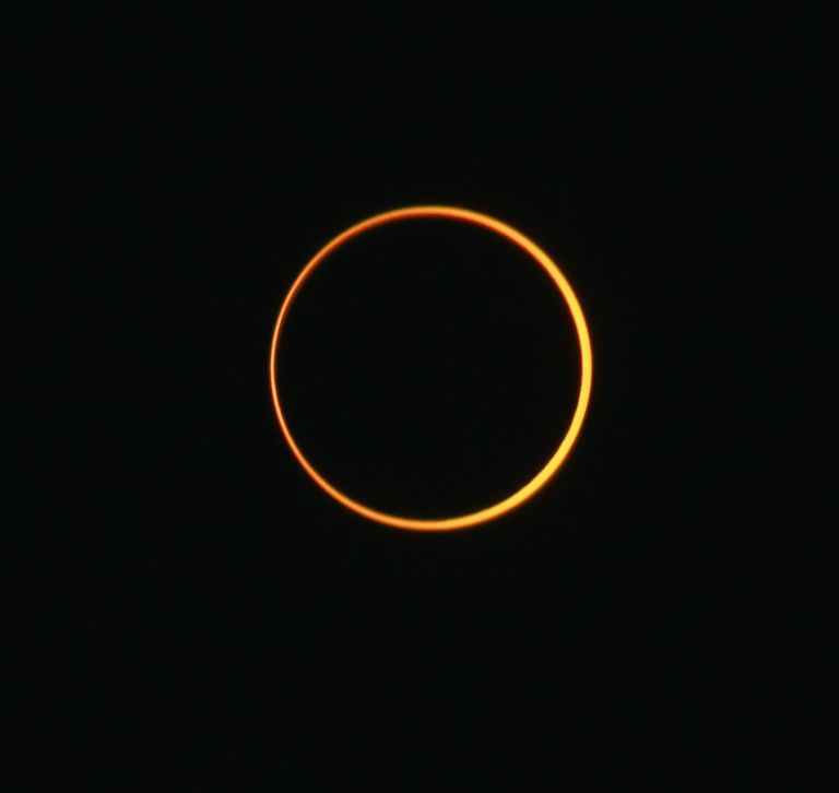 Δακτυλιοειδής έκλειψη Ηλίου την Κυριακή - Τη Δευτέρα μπαίνουμε στο θερινό ηλιοστάσιο   tanea.gr