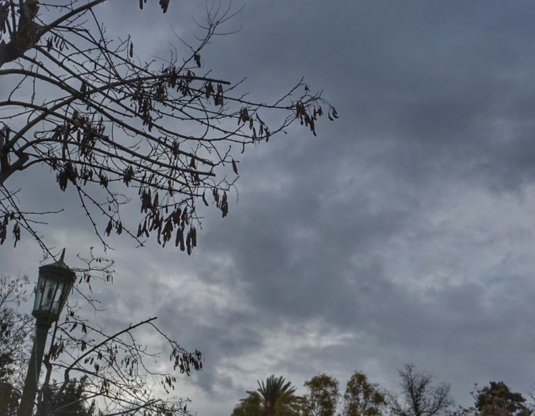 Καιρός: Νέες βροχές και καταιγίδες – Δείτε πού θα «χτυπήσουν» | tanea.gr