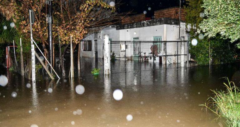 Πλημμύρισε η Δράμα από την καλοκαιρινή καταιγίδα – Απεγκλωβισμός πέντε ανθρώπων | tanea.gr