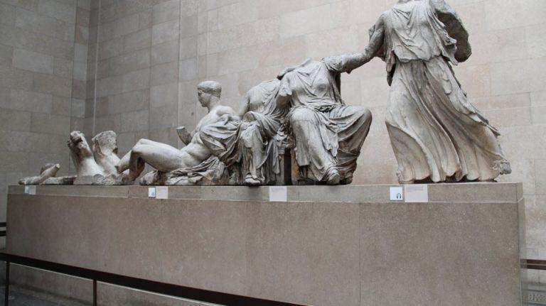 Guardian: Παράνομη η κράτηση των γλυπτών του Παρθενώνα – Είναι προϊόν κλοπής | tanea.gr