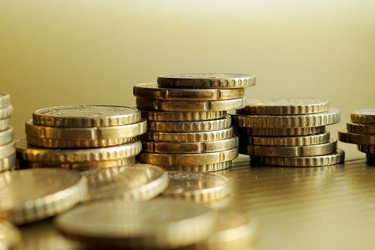 Υφεση 7,5% το 2020 και ανάπτυξη 5,1% το 2021 προβλέπει η ΕΤΕ | tanea.gr