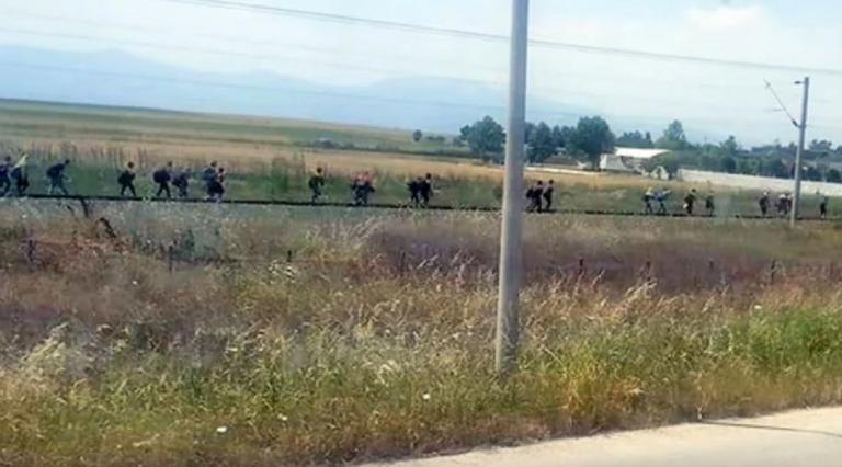 Ανησυχία για νέα Ειδομένη: Αυξάνονται οι πρόσφυγες που κατευθύνονται προς τα ελληνοσκοπιανά σύνορα | tanea.gr