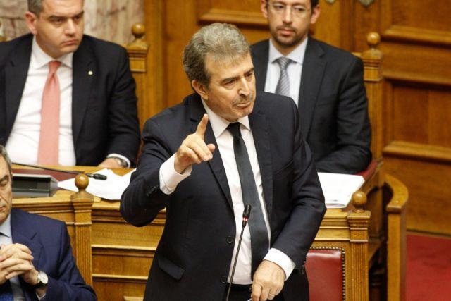 Χρυσοχοΐδης: Τραμπούκοι δολοφόνοι επιτέθηκαν σε αστυνομικούς | tanea.gr