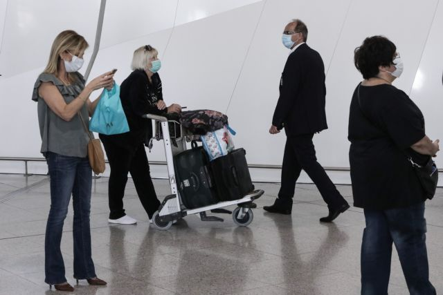 Βρετανία: Χωρίς καραντίνα η έλευση ταξιδιωτών από 75 χώρες | tanea.gr