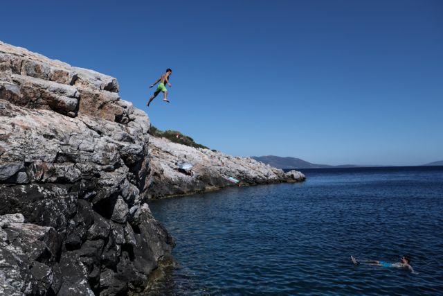 Συνεχίζει ο μίνι καύσωνας – Πού θα χτυπήσει ξανά 38αρι   tanea.gr