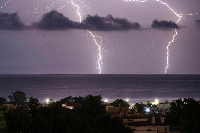 Αστατος καιρός και σήμερα  με βροχές, καταιγίδες και πτώση της θερμοκρασίας   tanea.gr