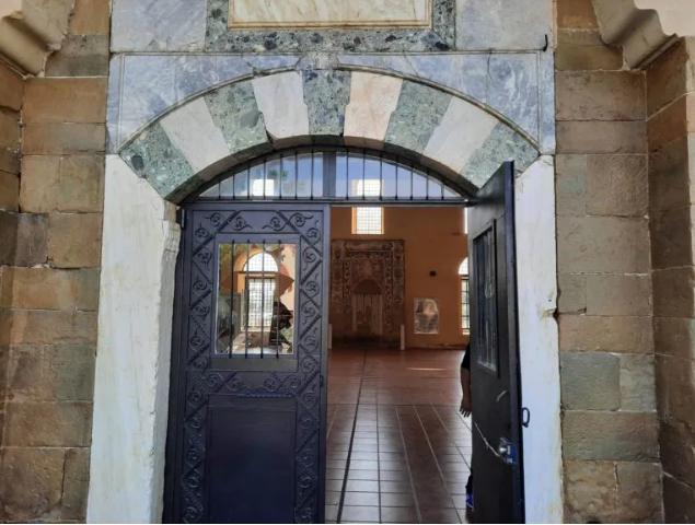 Τρίκαλα: Βανδάλισαν τζαμί ως απάντηση στον Ερντογάν για Αγία Σοφία | tanea.gr