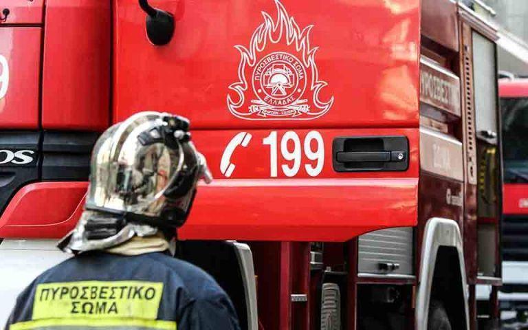 Πανικός από έκρηξη σε αυτοκίνητο στην Ποσειδώνος | tanea.gr