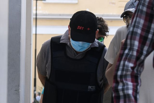 «Δεν υπάρχει ζωή, τον θάνατο περιμένω» – Συγκλονίζει μαρτυρία θύματος του ψευτογιατρού | tanea.gr