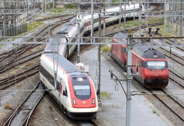 Τσεχία: Σύγκρουση τρένων με νεκρούς και τραυματίες   tanea.gr