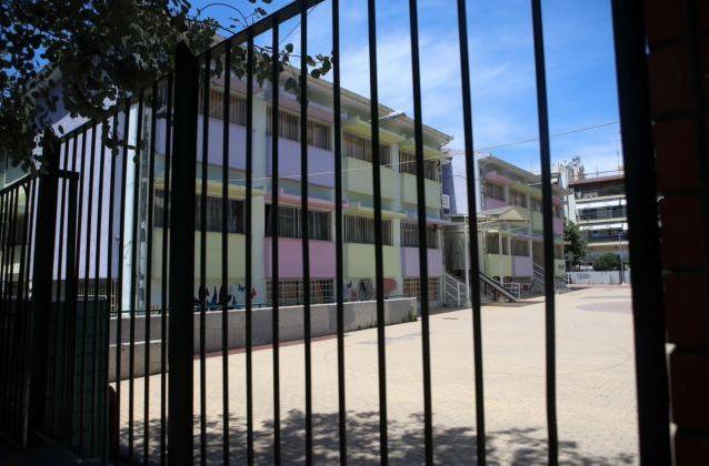 Αποπλάνηση 14χρονης στην Ηλιούπολη: Στη φυλακή μετανιωμένος ο καθηγητής | tanea.gr